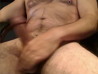HOT HORNY MARRIED DAD PORN JACKOFF