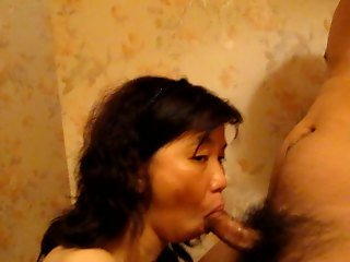 Sucking a chinese cock