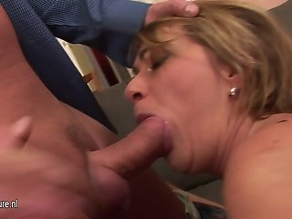 Old mom's vagina filled with young cum