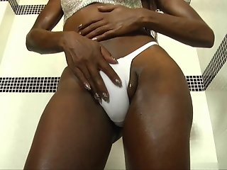 Oiled up shemale