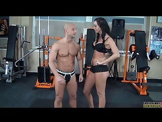 European Dominatrix verbally uses slave before facesitting