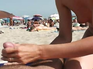 Naomi1 blowjob on a beach