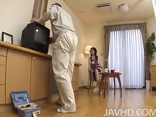 Lonely housewife Nanako Yoshioka seduces the tv repair guy