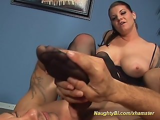 Busty Babe fucks two bisexuals