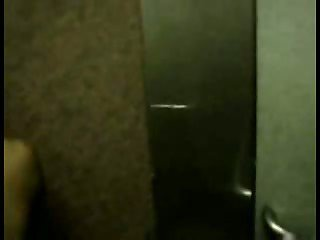 Thai gay S&J in Elevator