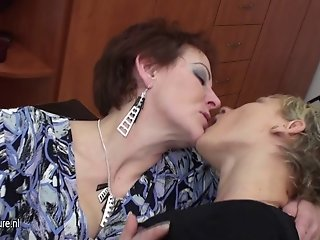 3 old and young lesbians have fun