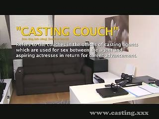 Casting - She's way too hot for porn