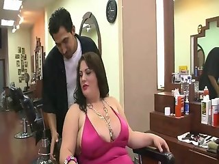 Bbw fucks the barber