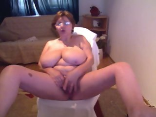 Granny mania 6 open legs and finger her wet pussy