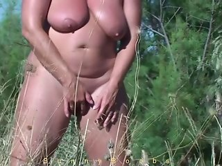 Masturbating behind the beach