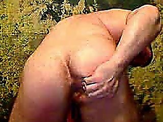 Muscle Hunk Wanking On Cam