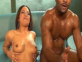 Sexy Whore Chyanne Jacobs Gets Her Bubble Butt Pounded