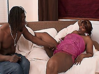Bubble Butt Ebony Bbw Slut Gets Boned By A Rasta Man