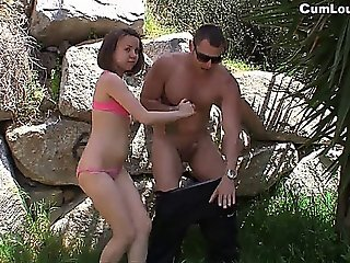 It's Time To Give A Blowjob In A Park