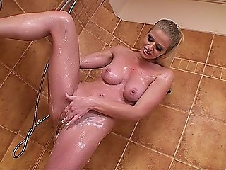 Sexy Blonde Babe Masturbates In The Shower