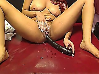 Aaliyahray Masturbates And Squirts