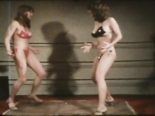 Two Sexy Vintage Lesbian Girls In Bikini And Heels Cat Fight