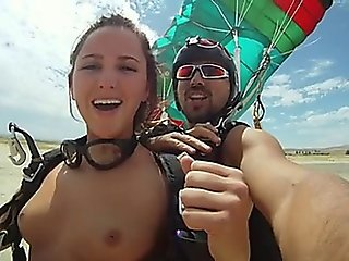 Skydive Nude Flash