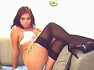 Awesome Camgirl Dancing!