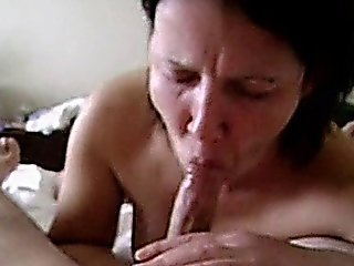 Blowjob From A Hot Amateur Mom