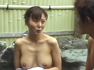avmost.com - An Japanese chick naguty and dirty service in the jacuzzi