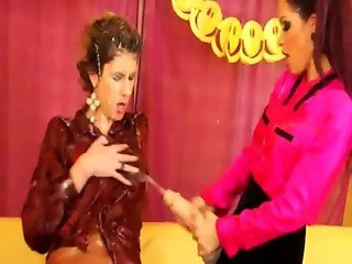 Wanking lesbian gets drenched with jizz from her friends