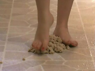 Foot Fetish - Sexy feet stepping in oatmeal