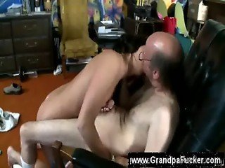 Teens demands grandpa to eat her pussy
