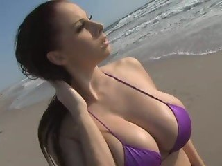 Gianna Michaels in swimsuit and Steve Holmes - Redtube Free Big Tits Porn Videos, Movies & Clips