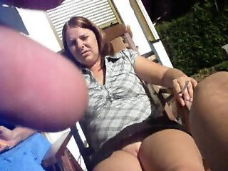 outdoor upskirt flash pantyless