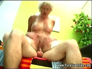 Grandmother cums after oral