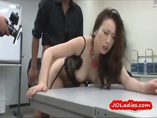 Office Lady In Lingerie Getting Both Holes Fucked By Guys In The Office