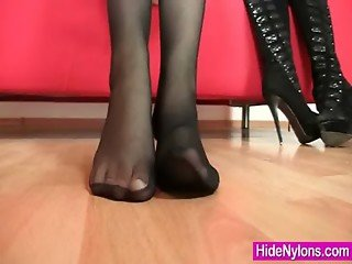 Redhead babe pulling nylon tights out her pussy
