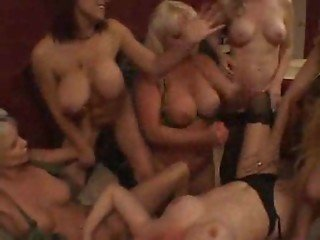 A bunch of army girls having a lesbian orgy - FreePorn.com