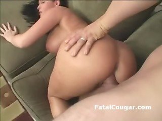 Big boob cougar with trimmed pussy is rammed with pussy2mouth