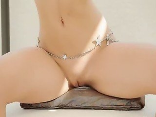 sleek blondie showing hot belly dancer