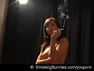Smoking fetish girl Maria