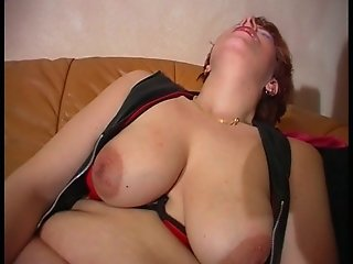 Fantastic nipples on those big titties (clip)