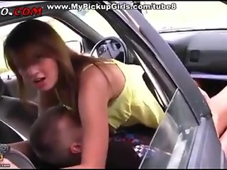 Russian teen fuck in the car