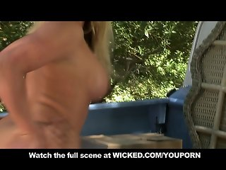 BIG TIT & ASS BLONDE TEEN IN HEELS FUCKS OUTDOOR