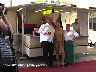 Hot blonde shows her boobs in public streets