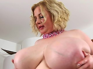 BBW Hettie with HUGE tits