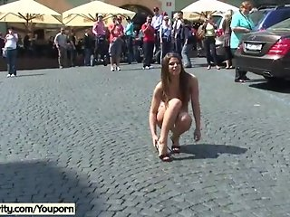 Horny MonaLee Shows Her Boobs In Public Streets