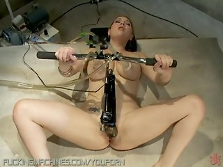 Natural Breasted Babe Gets Machine Fucked