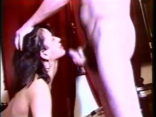 Retro brunette takes a load - Telsev