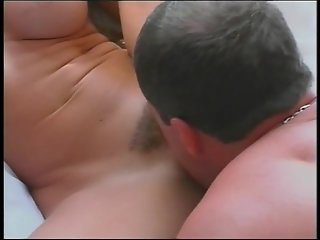 Bombshell blond screams in ecstasy - Gentlemens Video
