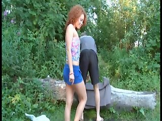 Redhair Teen Sunny fucks in nature