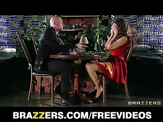 Yurizan Beltran turns a romantic date into a fuck fest