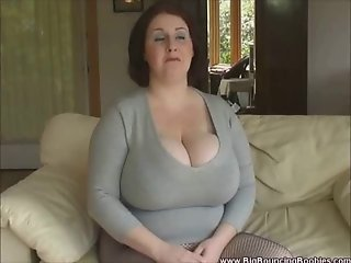 Yank Sapphire and her amazing 40KKKK Monster Boobs...