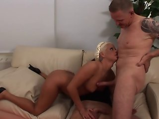 Extreme Girls - Eva Eden
